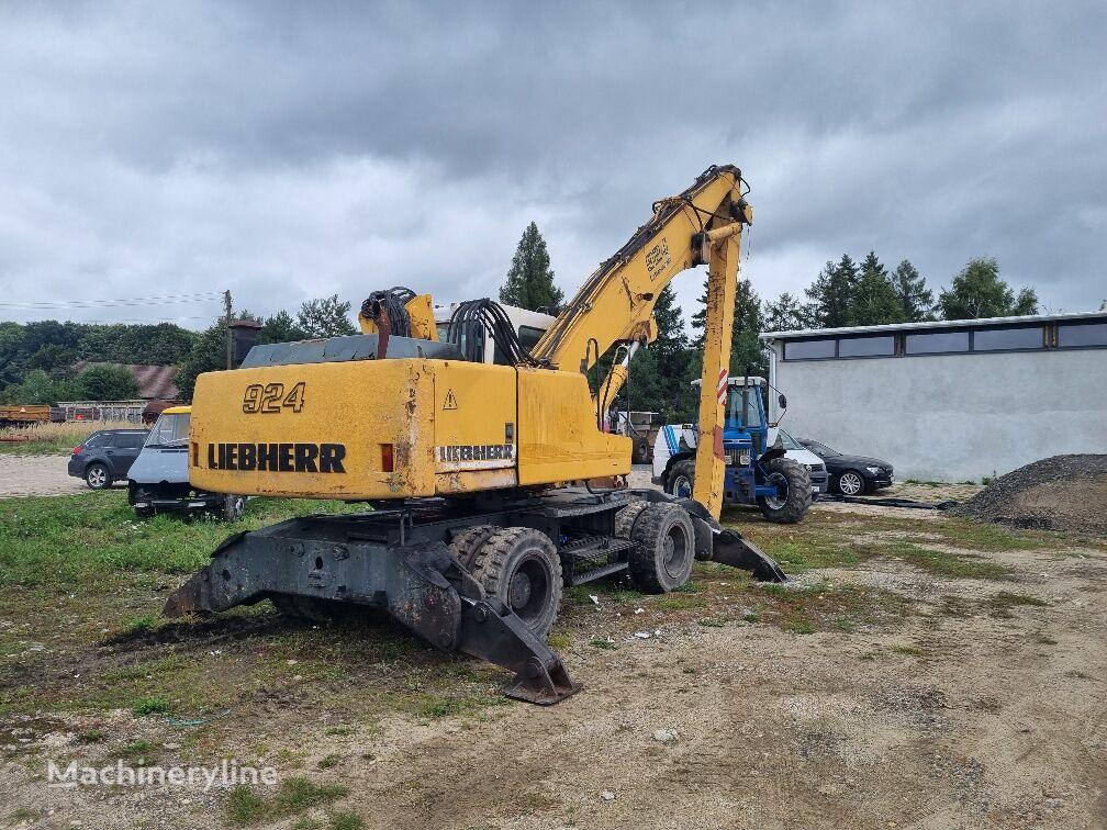 材料装卸机 LIEBHERR A924