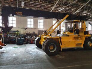 集装箱搬运车 LUNA RSL-8 EC
